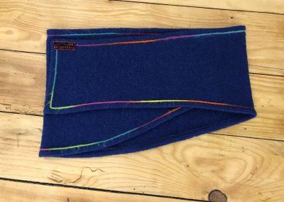 geigenberg - hüftschmeichler blau mit bunten band